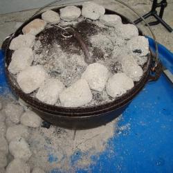 div. Dutch oven